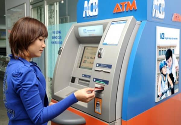 Dịch vụ rút tiền mặt thẻ tín dụng ACB hỗ trợ khách hàng rút tiền mọi lúc, mọi nơi