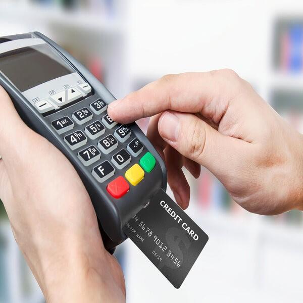 Rút tiền mặt thẻ tín dụng là dịch vụ được nhiều người quan tâm thời gian gần đây