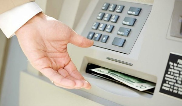 Rút tiền mặt thẻ tín dụng Techcombank mang lại rất nhiều những lợi ích cho chủ thẻ