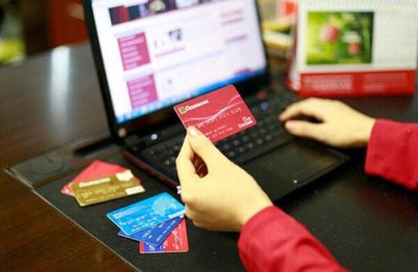 đáo hạn thẻ tín dụng và rút tiền mặt thẻ tín dụng tại Hà Nội 03