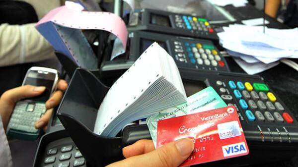 Đáo hạn thẻ tín dụng Vietinbank đúng hạn sẽ giúp bạn không sẽ bị phạt phí trả chậm và lãi suất cao
