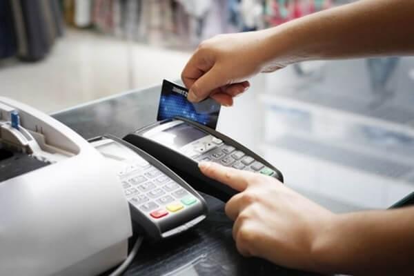 Dịch vụ rút tiền mặt từ thẻ tín dụng Sacombank chi phí thấp tại dichvuthetindung.vn