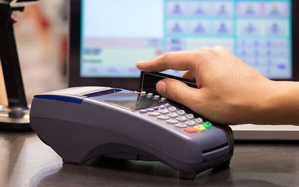 Dịch vụ rút tiền mặt và đáo hạn thẻ tín dụng tại Thái Nguyên hỗ trợ khách hàng khó khăn tài chính 24/7, giá rẻ, mức phí thấp nhất