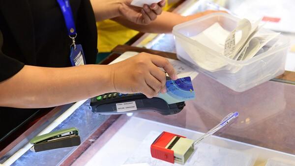 Dịch vụ rút tiền thẻ tín dụng, đáo hạn thẻ tín dụng tại nhà mang tới nhiều lợi ích cho khách hàng về thời gian và chi phí
