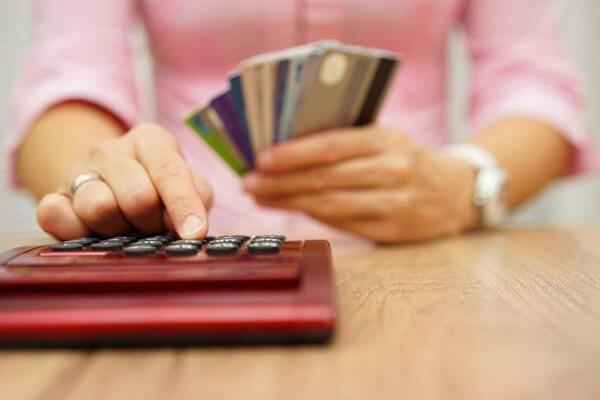 Cách tính lãi suất quá hạn thẻ tín dụng Techcombank