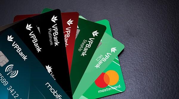 có nên mở thẻ tín dụng VPBank