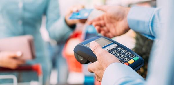 Dịch vụ đáo hạn thẻ tín dụng MBBank giá rẻ tại nhà của dichvuthetindung.vn hỗ trợ khách hàng 24/7, với mức phí thấp nhất thị trường
