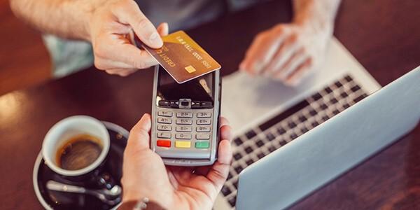 Dịch vụ đáo hạn thẻ tín dụng quận Hoàn Kiếm hỗ trợ khách hàng khó khăn tài chính khi đến ngày cần thanh toán
