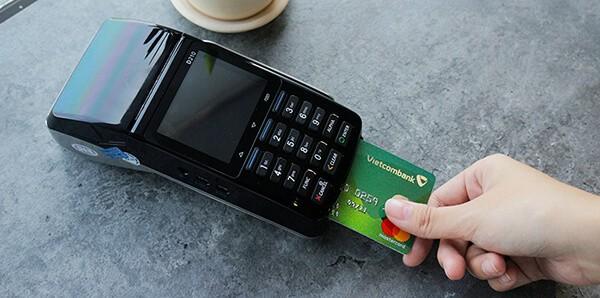 đáo hạn thẻ tín dụng tại huyện Mê Linh