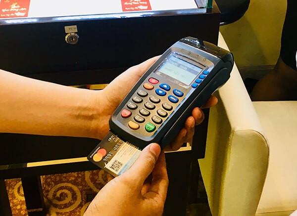 Đáo hạn thẻ tín dụng Techcombank tại nhà uy tín của dichvuthetindung.vn