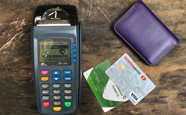 Dịch vụ đáo hạn thẻ tín dụng Vietcombank giá rẻ tại nhà