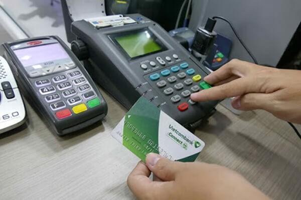 Phí đáo hạn thẻ tín dụng Vietcombank tại Hà Nội của dichvuthetindung.vn chỉ từ 1,6%