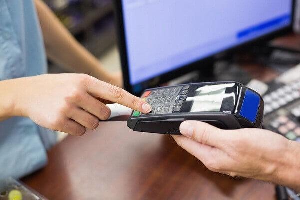 Ngoài chức năng thanh toán, chúng ta còn có thể rút tiền mặt thẻ tín dụng MBBank