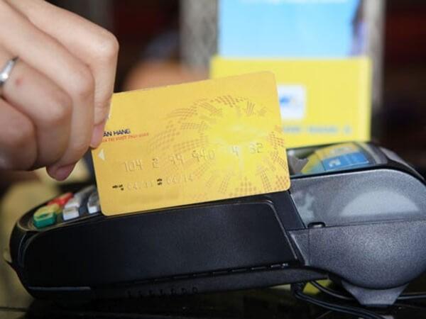 Dichvuthetindung.vn cung cấp dịch vụ rút tiền mặt từ thẻ tín dụng SeABank giá rẻ, chỉ từ 1,6%