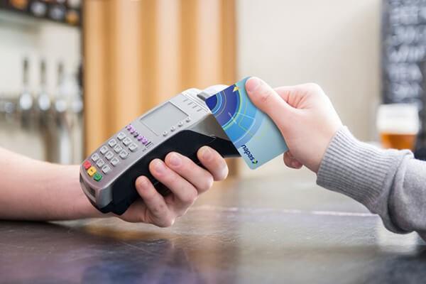 Rút tiền mặt thẻ tín dụng tại quận Hoàng Mai là một trong những dịch vụ thẻ tín dụng
