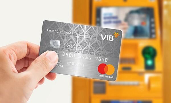 Mức phí rút tiền thẻ tín dụng VIB tại ATM khá cao, lên tới 4%/giao dịch