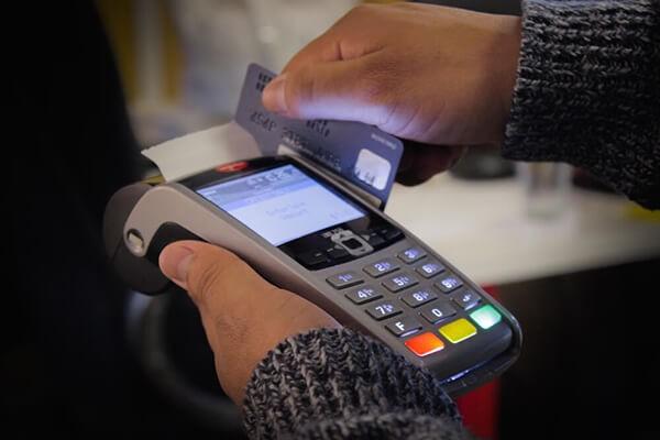 Dịch vụ rút tiền thẻ tín dụng Sacombank giá rẻ của dichvuthetindung.vn