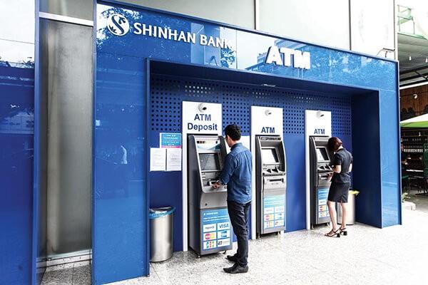 Phí rút tiền thẻ tín dụng Shinhanbank