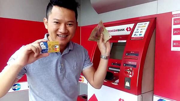 Rút tiền mặt từ thẻ tín dụng Techcombank