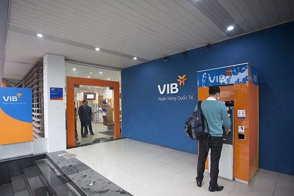 Dễ dàng thanh toán và rút tiền mặt thẻ tín dụng VIB tại khắp nơi trên thế giới