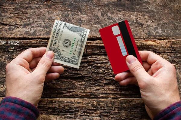 Dịch vụ rút tiền thẻ tín dụng VPBank giá rẻ tại nhà giúp khách hàng tiết kiệm nhiều thời gian và chi phí