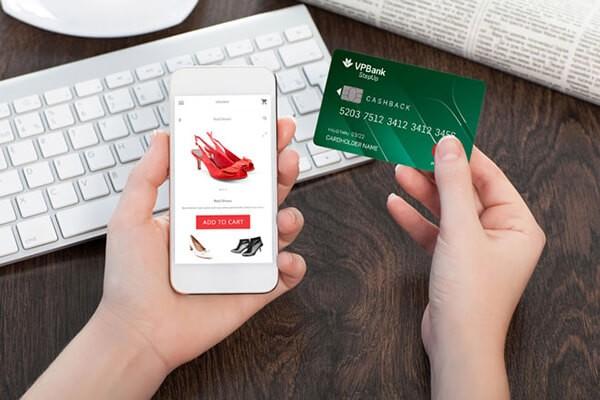 Trả góp qua thẻ tín dụng VPBank khi mua hàng trực tuyến